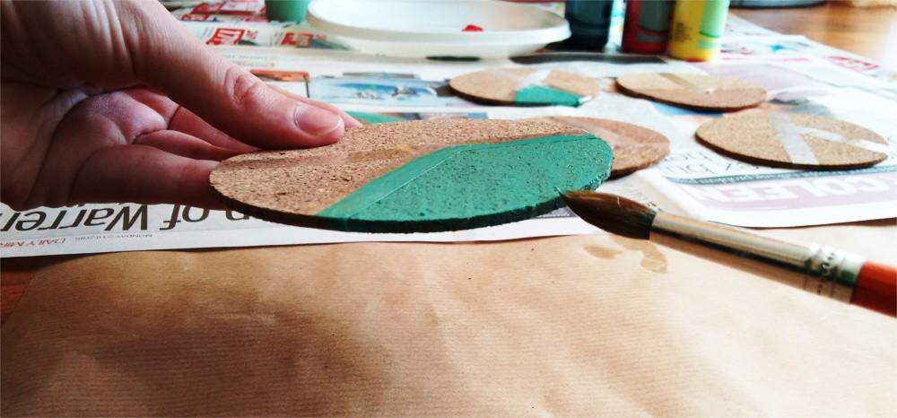 D.I.Y. Kolorowe podkładki korkowe pod szklanki i kubki