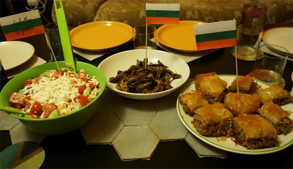 Wieczorek Bułgarski - Przepisy - Sałatka szopska, Caca i Baklava