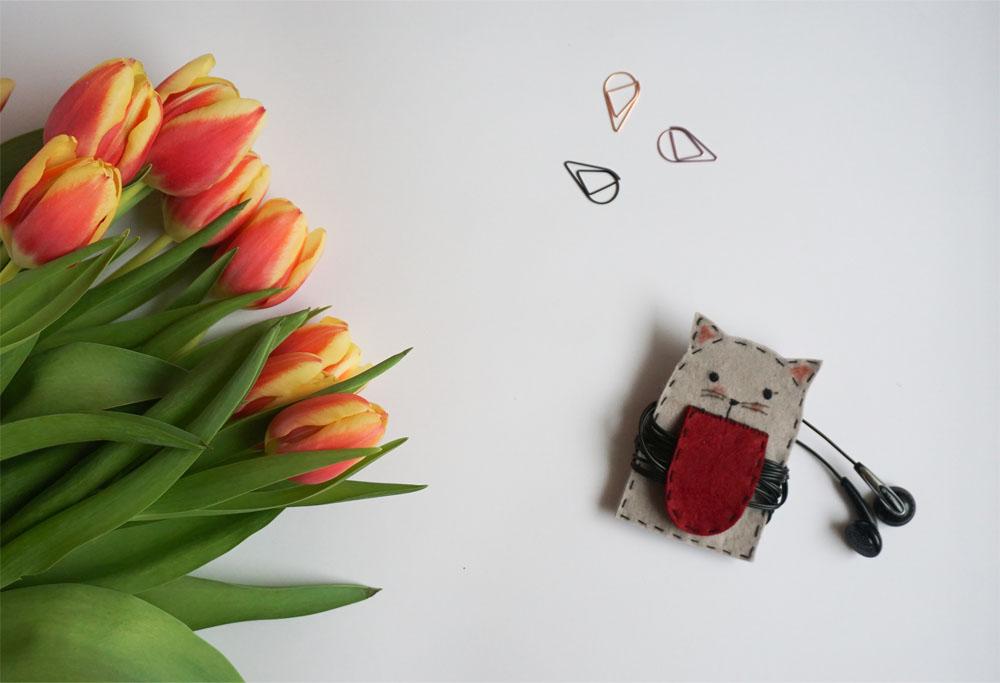 DIY Filcowy pokrowiec na słuchawki kot
