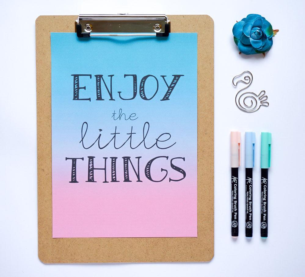 Letnie plakaty do druku - motywacyjny - Enjoy the little things