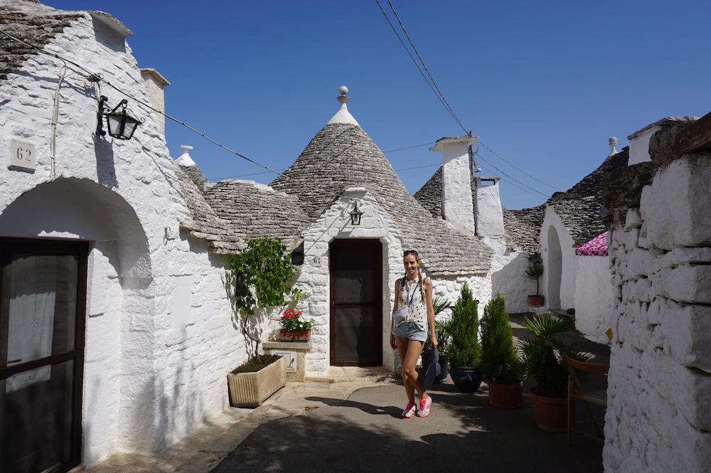 Zwiedzanie Apulii - co warto zobaczyć - Alberobello domki trulli