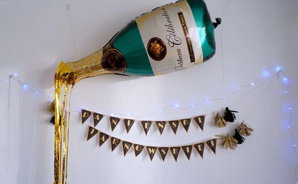 Wieczór panieński w stylu lat 20 - impreza Wielkiego Gatsbiego Great Gatsby - złoto czarne dekoracje