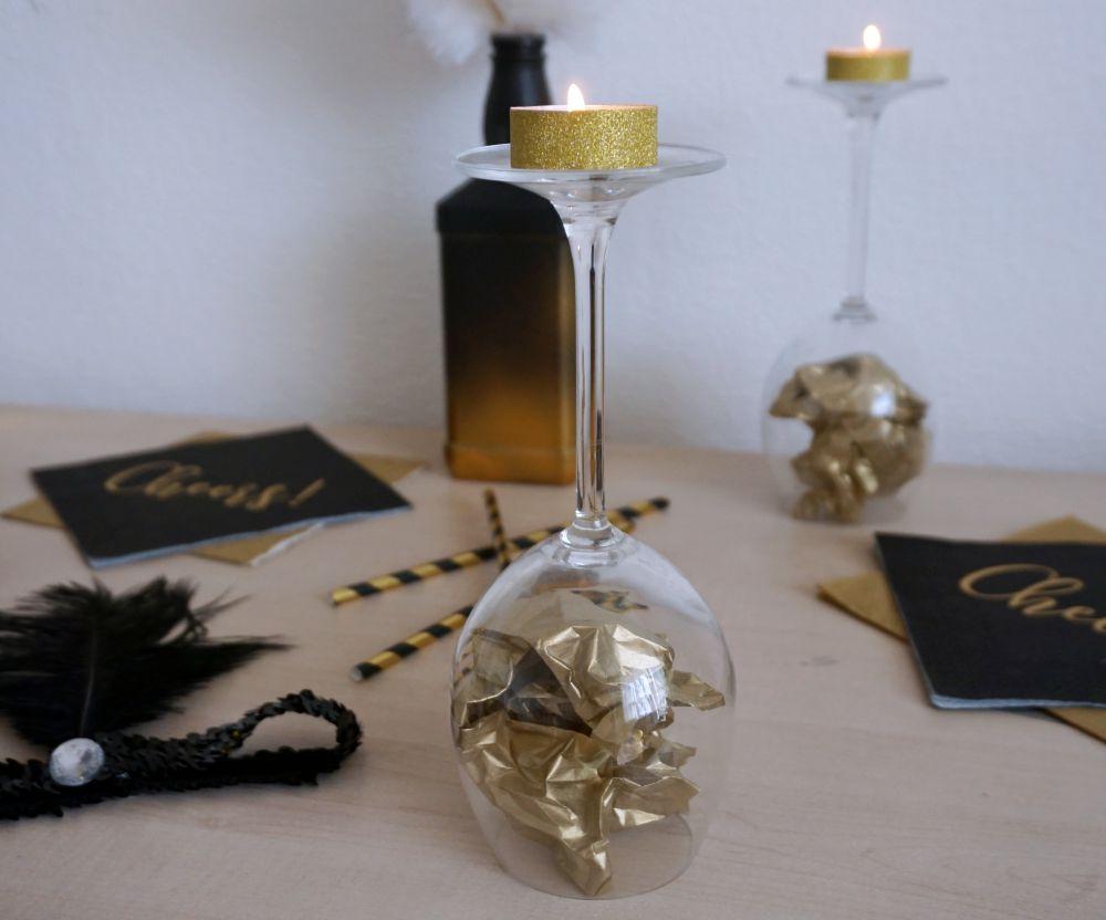 Wieczór panieński w stylu Wielkiego Gatsby'ego - proste DIY złoty świecznik z podgrzewacza
