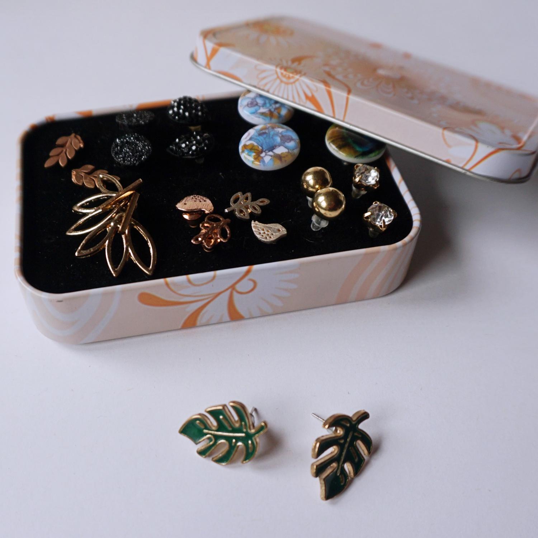 DIY Podróżny organizer na małe kolczyki wkrętki