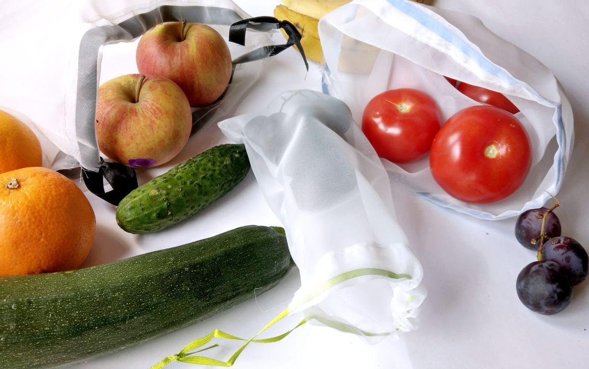 Zrób to sam Woreczki na warzywa i owoce z firanki