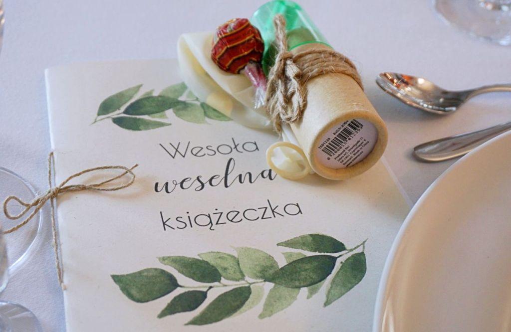 DIY Rustykalne dekoracje weselna książeczka