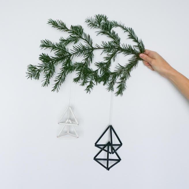 DIY świąteczne ozdoby ze słomek - choinki 3d