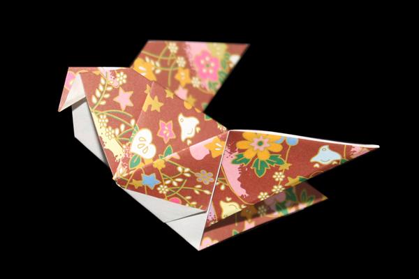 『ハト』の折り紙 折り方1《鳥シリーズ》