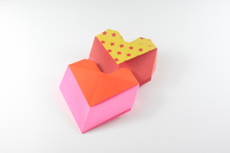 Origami Opening Heart Box / Envelope Tutorial - Design: Francis Ow ... | 648x972