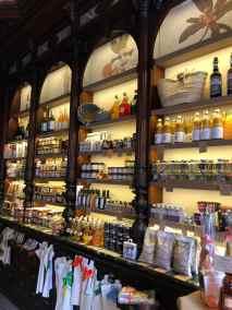 estanterias-mercado-antigua-farmacia