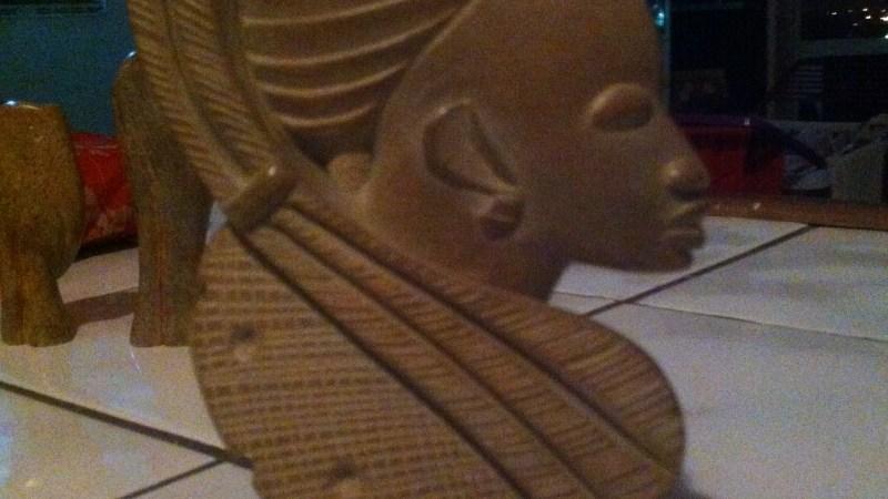 Mbigou, une ville, une pierre, un art