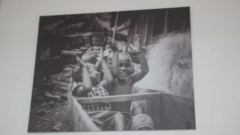 Retour sur l'exposition photographique «Les enfants, Dans leurs yeux, le Monde» de Jean Ulrich Manphayssou à la Galerie Houkami Guyzagn