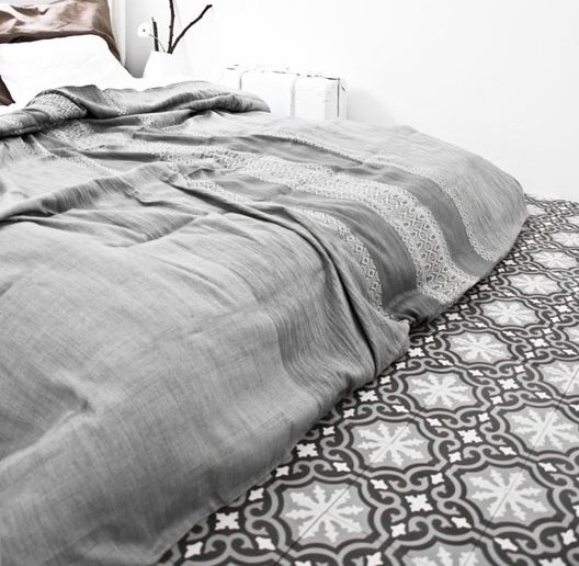 5 Mind-Blowing Ceramic Tile Ideas for Bedroom Floors