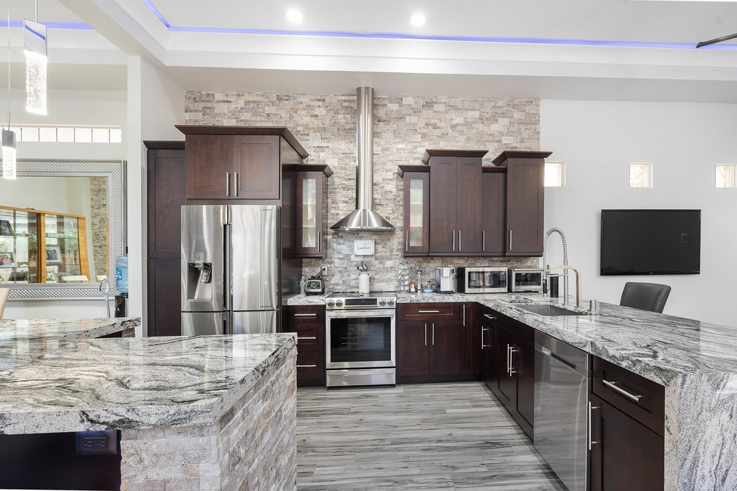 What Are The Pros And Cons Marble Kitchen Floors?