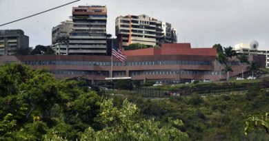 US Withdrawing Some Diplomats From Venezuela - US Embassy