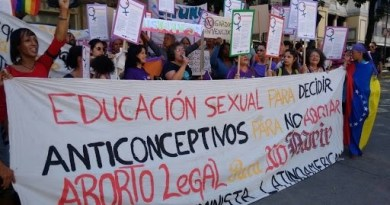 Venezuelan Feminist Groups Reject Foreign Intervention, Back Peace Dialogue