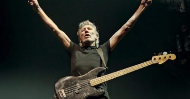 Roger Waters From Pink Floyd Demands Trump to Stop the Coup d'état