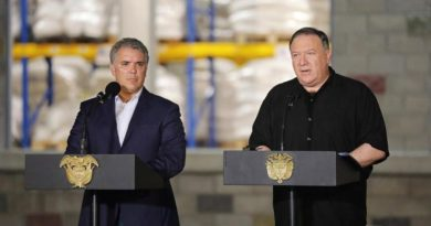 Pompeo Asks Maduro to Reopen Border With Colombia in South American Tour