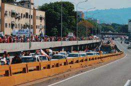 Chavistas Marching to Miraflores in Francisco Fajardo Highway