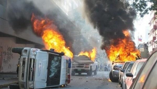 camionetas_quemadas.jpg_1718483346.jpg