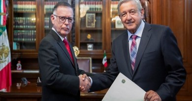 President of Mexico met with Venezuelan Ambassador Francisco Arias Cardenas