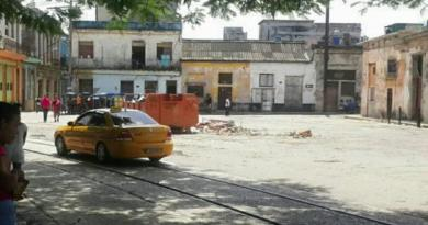 "Cuba: ""Drivers Not Respecting Laws"": Taxi Driver Charges Twice the Fare Established for Havana"
