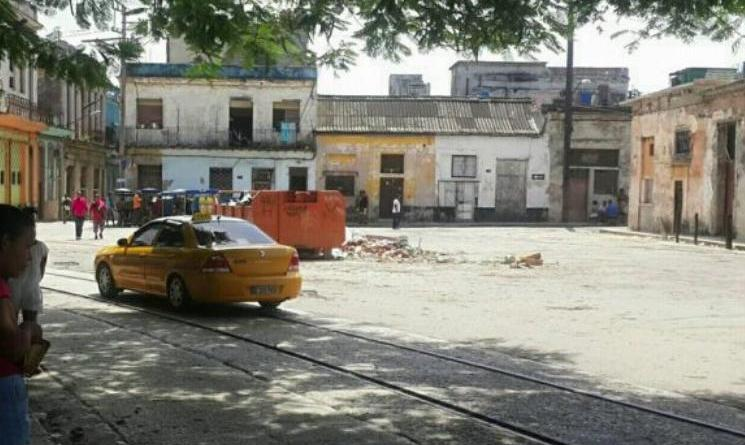 """Cuba: """"Drivers Not Respecting Laws"""": Taxi Driver Charges Twice the Fare Established for Havana"""