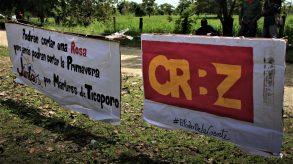 Placards were put up at the place of the killings. (Katrina Kozarek / Venezuelanalysis.com)
