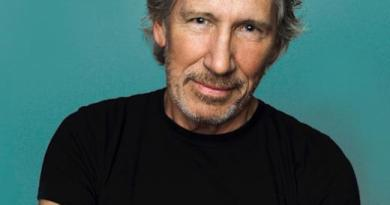 """Roger Waters in Support of Evo Morales: """"You Took Democracy to Every Corner of Your Land"""""""