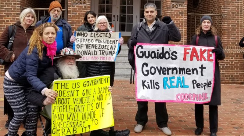 """USA: Activists go to Venezuelan Embassy to Evict """"Ambassador Vecchio"""" - Find He is Not There"""