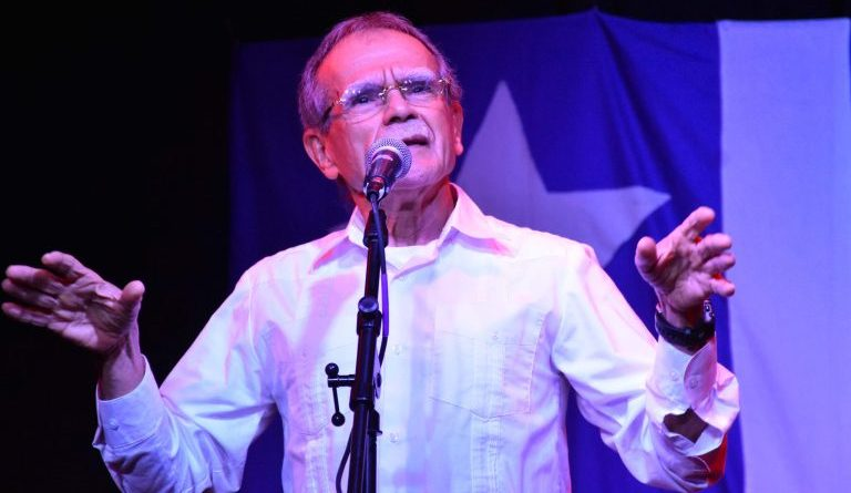 "Oscar Lopez Rivera: ""Socialism is an Alternative that Can Move Us Forward"""