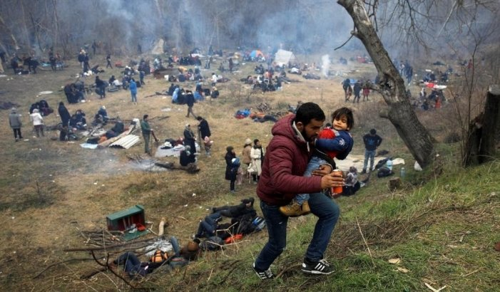 Internet Rage at Images of Greek Police Shooting Refugees and Turkish Forces Transporting Migrants to The Border