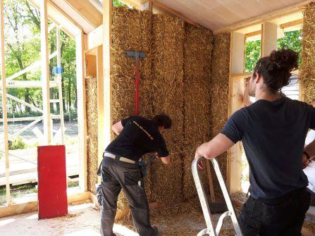 Het onder druk zetten van de stromuur