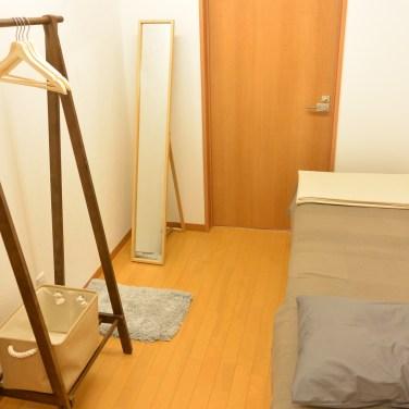 着替え室は完全個室で患者着に着替えて頂きます。