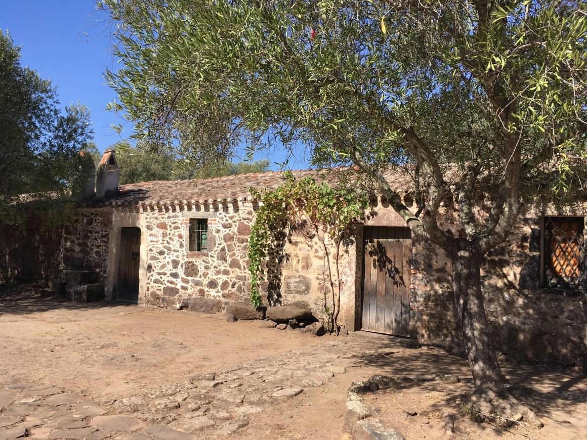 Complesso Santa Cristina visitare Sardegna