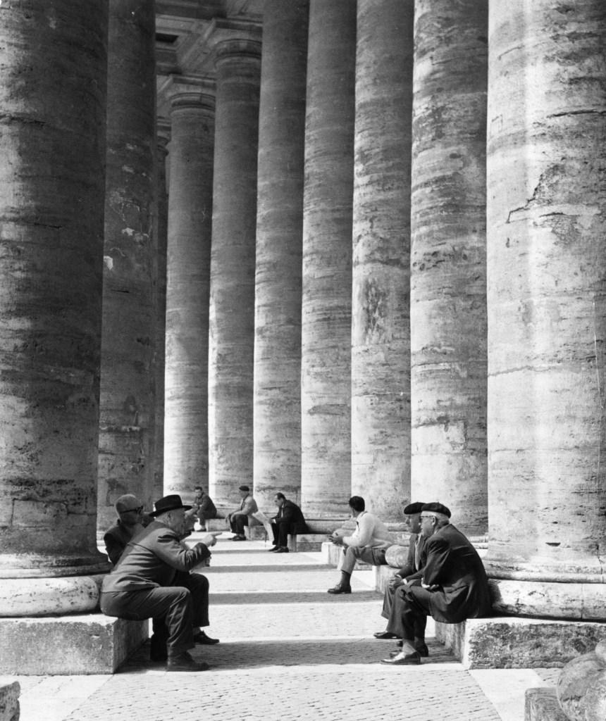Monica Pidgeon, Colonnade, St Peter's Square (arch. Gian Lorenzo Bernini)
