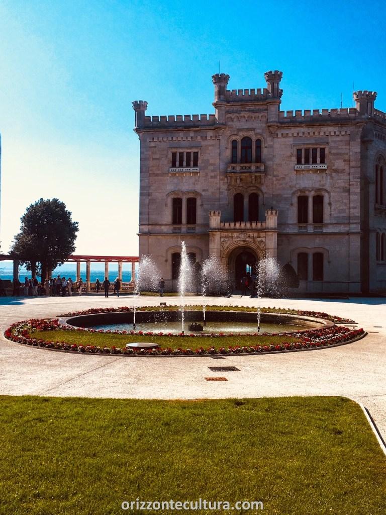Castello Miramare Trieste esterno