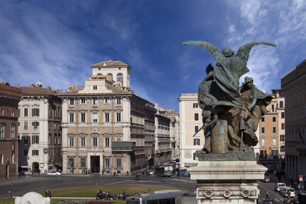 Palazzo Bonaparte A Roma E Il Balconcino Di Madama Letizia Orizzonte Cultura