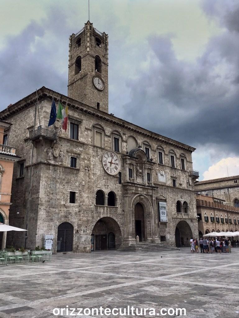 Palazzo dei Capitani del Popolo, cosa vedere ad Ascoli Piceno