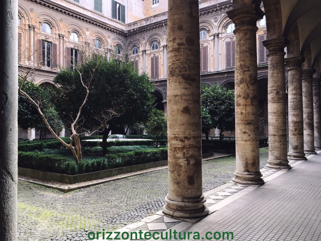 Cortile bramantesco della Galleria Doria Pamphilj a Roma