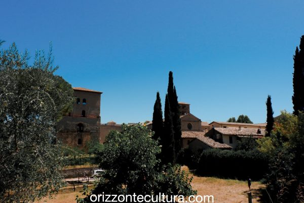 Visita al borgo e all'Abbazia di Farda, gioiello del Lazio