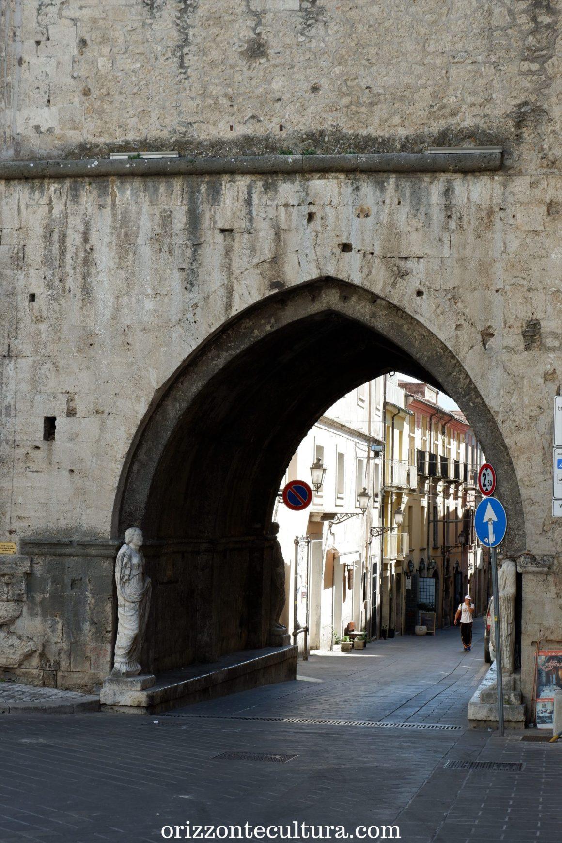 Arco di San Pietro, Isernia