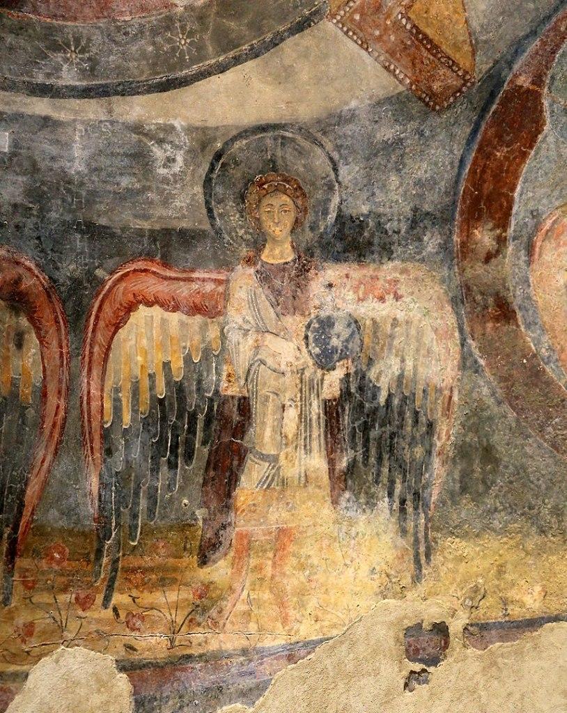 Cripta di Epifanio, affresco della Madonna in trono benedicente con sei angeli