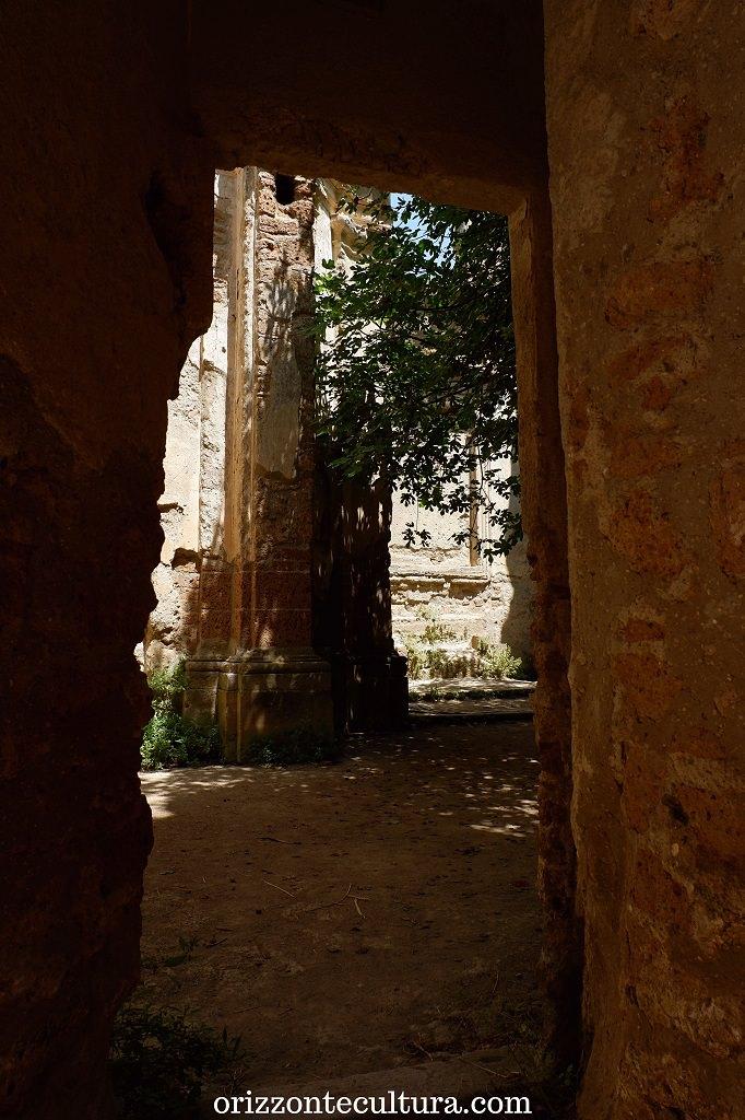 Interni della chiesa di San Bonaventura, borgo Antica Monterano
