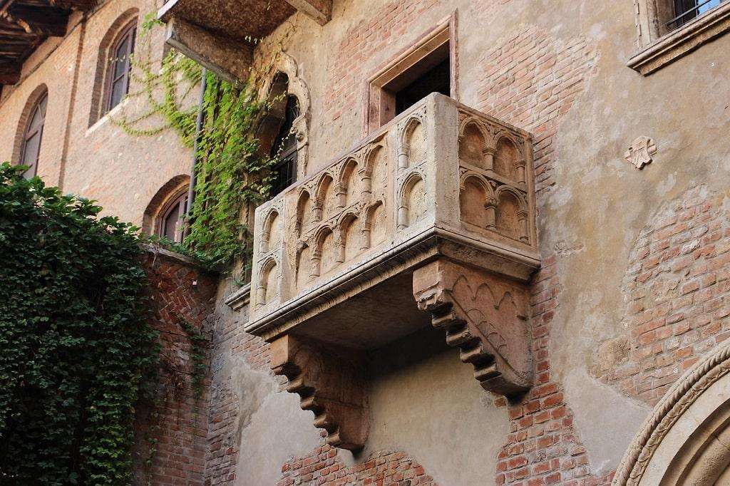 Balcone di Giulietta a Verona tracce Romeo e Giulietta,