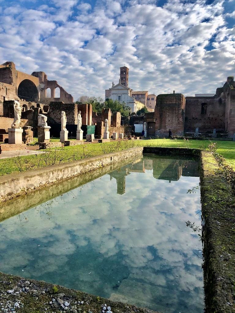Casa delle Vestali, Parco Archeologico del COlosseo, zona gialla musei riaprono Roma