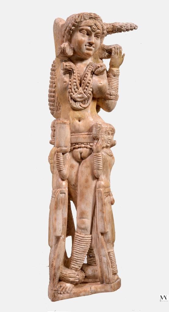 Statuetta in avorio della dea indiana Lakshmi