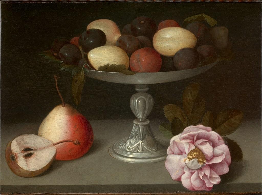 Fede Galizia, Alzata con prugne pere e una rosa, collezione privata, Bassano del Grappa