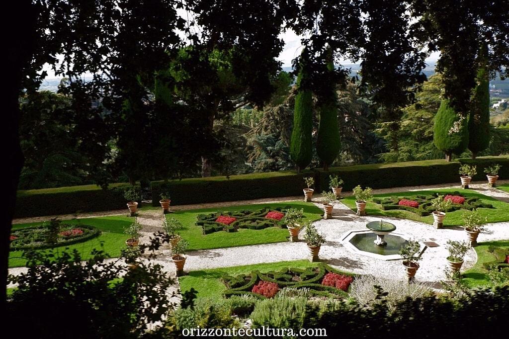 Il giardino all'italiana dai Giardini di Villa Barberini, Residenze Pontificie di Castel Gandolfo