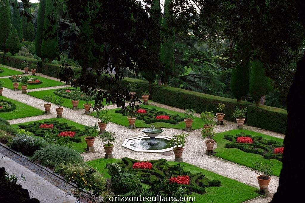 Scorcio del giardino all'italiana di Villa Barberini